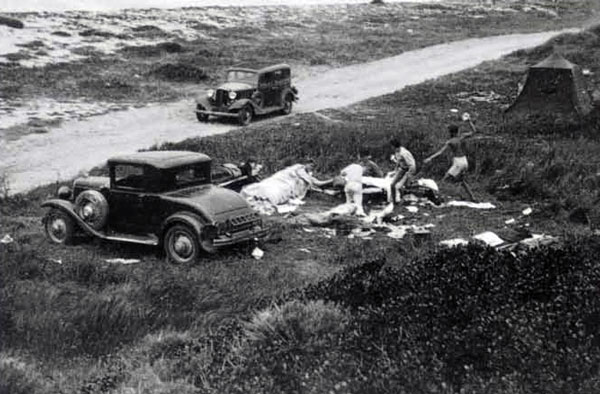 Food fight at San Onofre, circa '37.