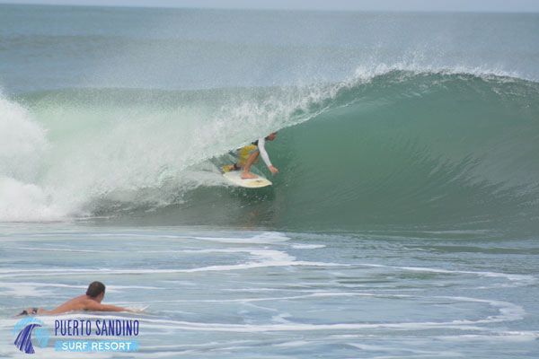 Glenn Valaire putting on a tube riding clinic for the rest of us